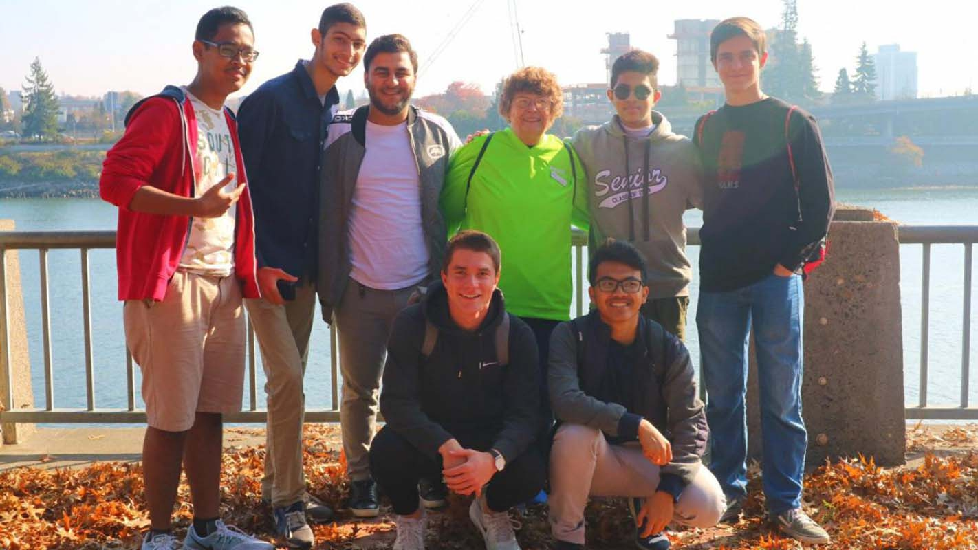 Picture of Saudi student with classmates in US