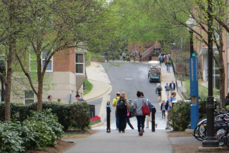 Students arrive on campus