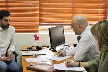 جلسة استشارة قانونية لأحد المشاركين